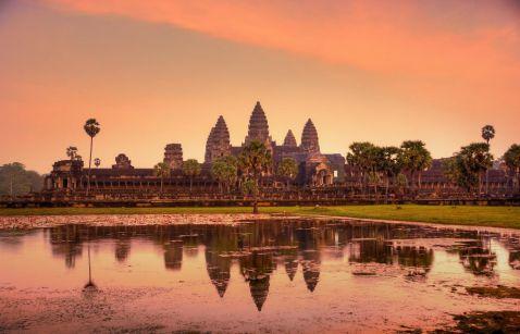 11 неймовірних фото комплексу Ангкор-Ват у Камбоджі