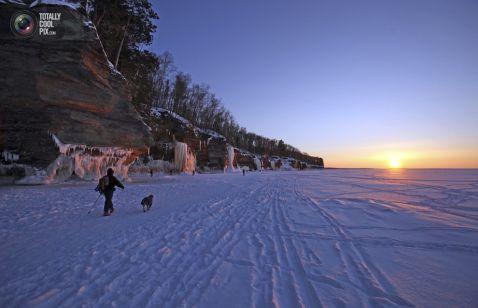 Краса, яку приховує найбільше замерзле озеро на планеті