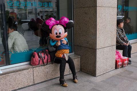 24 несподіваних і приголомшливих знімка з китайських вулиць