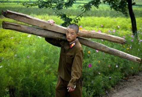 25 страхітливих заборонених знімків Північної Кореї