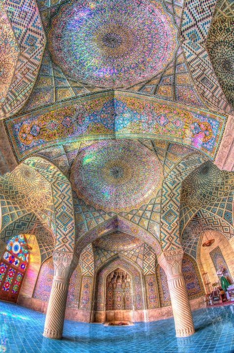 10 стель ісламських мечетей, що гіпнотизують