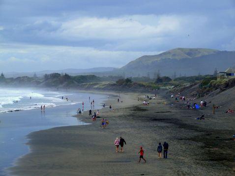 6 найфантастичніших чорних пляжів неймовірної краси