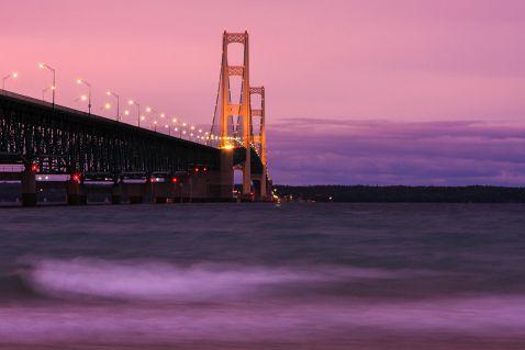 Топ-10 найдовших висячих мостів у світі