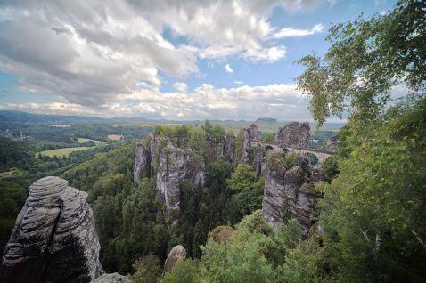 Приголомшливі фотографії головної визначної пам'ятки Саксонської Швейцарії
