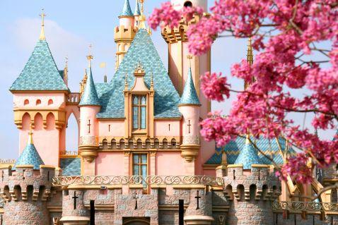 Світ Уолта Діснея — неймовірні знімки з парків розваг