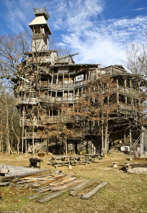 Найвищий дерев'яний будинок у світі