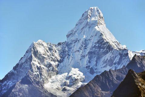4 дивовижні гірські вершини світу, які варто підкорити