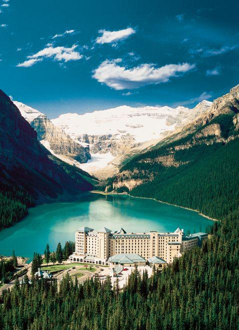 Унікальний готель в канадських горах, який ти захочеш відвідати, як тільки побачиш ці фото