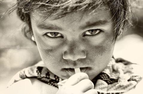 Діти Азії. 30 найсильніших чорно-білих фото, беруть за душу