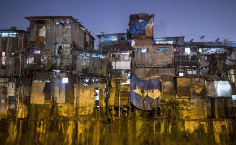 Від брудних нетрів до шикарних кондомініумів: ось як живуть і платять за житло в Мумбаї