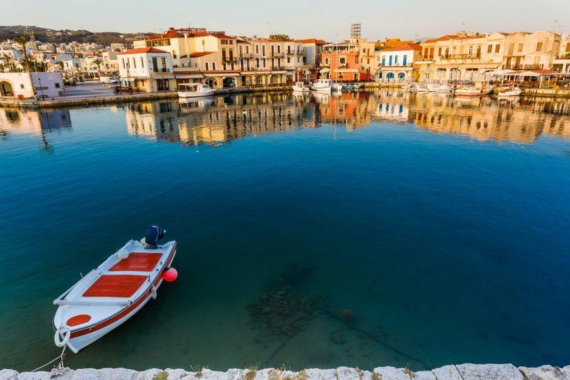 Райський острів в Греції заплатить новим мешканцям, які зважаться на переїзд