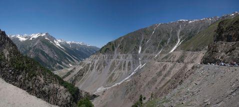 Небезпечна дорога в Індії, від одних знімків якої душа в п'яти йде