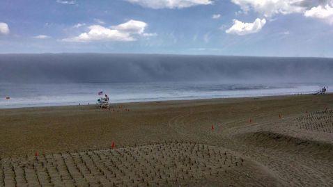 Оманливе цунамі на узбережжі Нью-Джерсі