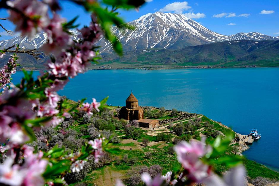 http://cdn.mapme.club/images/2247/224718-9-velikolepnyx-pejzazhej-kotorye-ty-smozhesh-uvidet-tolko-v-turcii.jpg