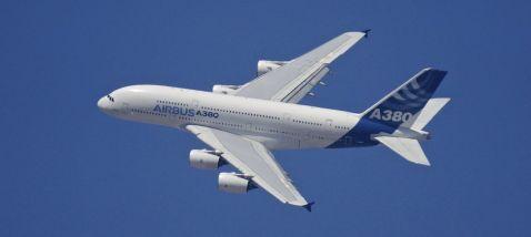 Чому пасажирські літаки літають на висоті 10 000 метрів?