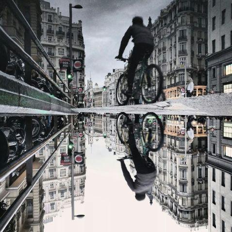 12 фантастичних знімків світу, відбитого у калюжах