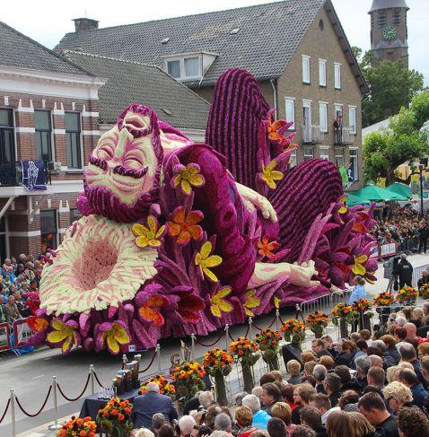 19 гігантських скульптур з квітів на честь Ван Гога. Це справжній вибух мозку!