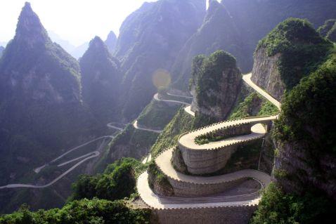 Дорога в небеса — найстрашніша дорога Китаю