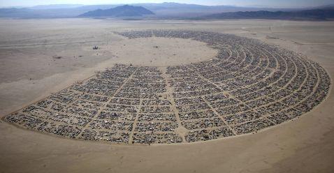 37 абсолютно божевільних знімків з самого шокуючого фестивалю у світі Burning Man