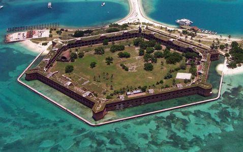 10 найбільш вражаючих морських фортів