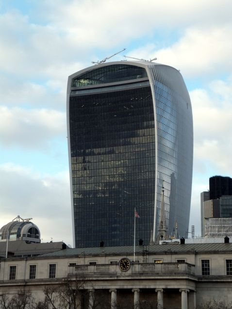 14 найжахливіших будівель світу