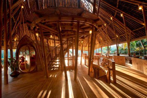Бамбукові будинку на Балі, перед якими не змогли встояти навіть найбагатші люди світу!