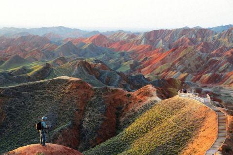 Різнокольорові скелі геопарку Чжан'е Данься в Китаї