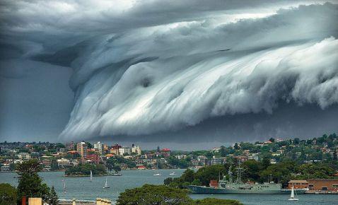 Сідней накрило хмарним цунамі! Страхітливе видовище!