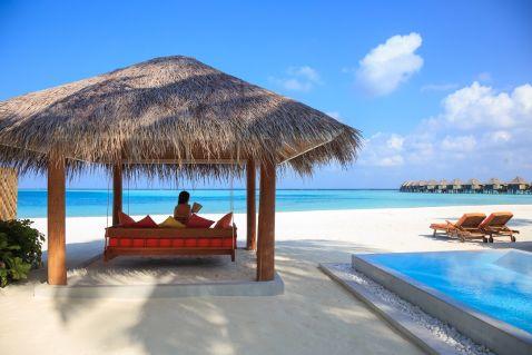Відкриття Aqua Sun Vilu Reef на Мальдівах