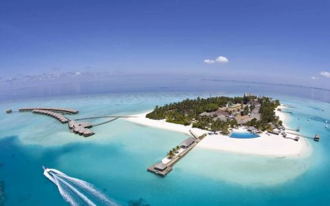 Центр водних видів спорту в Velassaru Maldives