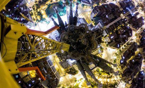 Храм Святого Сімейства в Барселоні — вид зверху. Карколомні знімки руфера