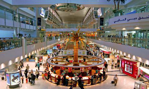 У Дубаї можна побувати по транзитній візі і зупинитися в новому готелі PALAZZO VERSACE
