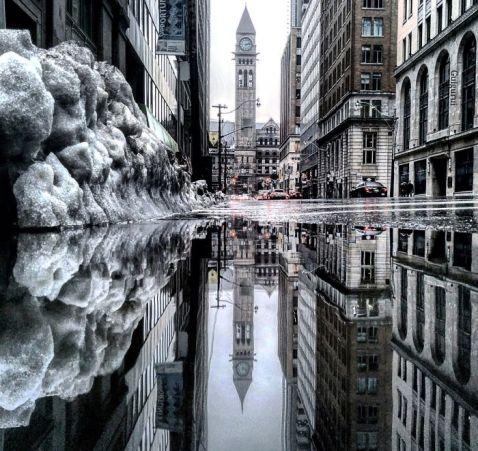 12 чудових знімків Торонто, відбитого в магічних дзеркалах калюж