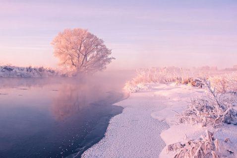 Білоруський фотограф прокидається рано вранці, щоб зберегти неповторну красу зими