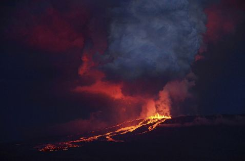 10 найбільш видовищних вивержень вулканів в 2015 році