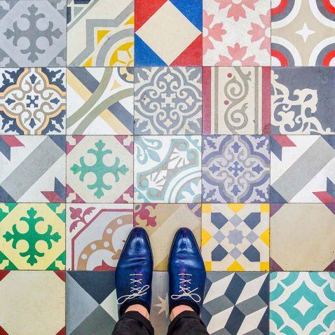 Чому в Барселоні завжди треба дивитися під ноги!