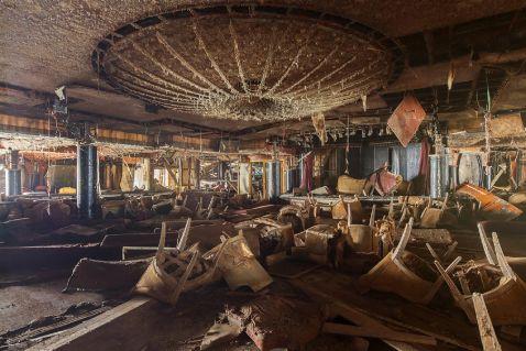 Як зараз виглядає всередині лайнер Costa Concordia, що зазнав катастрофи у 2012 році