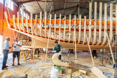 Як будують дерев'яні кораблі