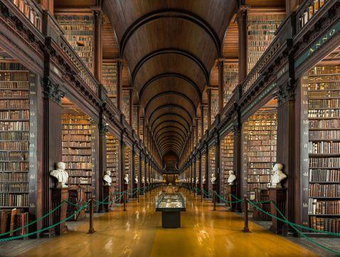 Унікальна 300-річна бібліотека в Дубліні, в якій зберігається більше 200 тисяч книг