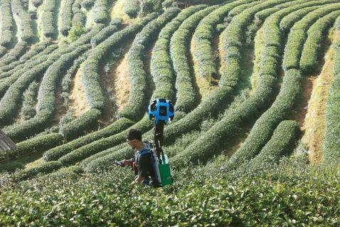Він пройшов зі спеціальним пристроєм Google 500 км, щоб зняти недоступні краси Таїланду