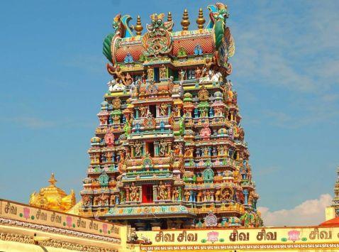 Вражаючий храм Мінакші, побудований з тисяч статуеток!