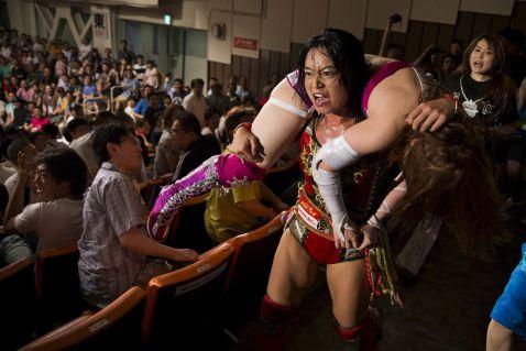 Жіночий реслінг в Японії: 17 потужних знімків