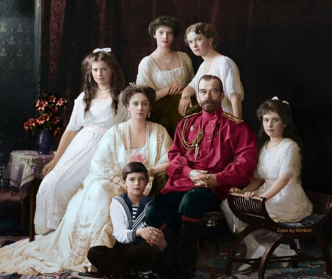 25 сенсаційних розфарбованих знімків про те, як жили російські люди в 1900-1965 роках