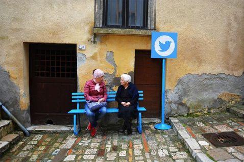 В цій італійській селі реальне життя повністю замінює інтернет!