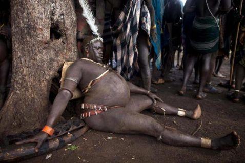 Погляд не відірвати: 6 знімків найкрасивіших чоловіків ефіопського племені боді