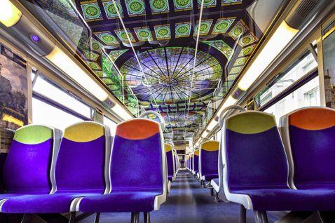 Геніальна ідея: у Франції поїзда перетворять на пересувні художні музеї