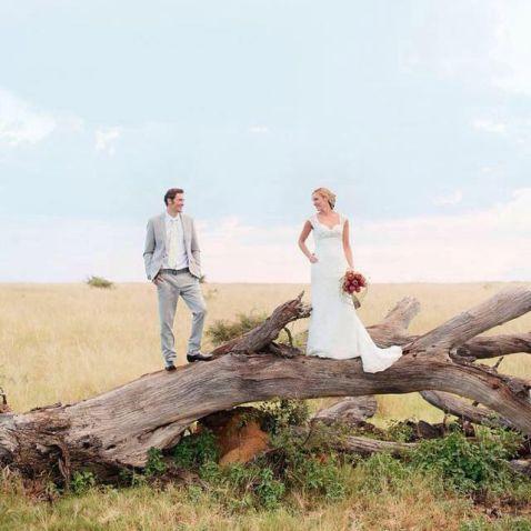 Пара проміняла розкішне весілля на незабутні церемонії в 8 різних куточках світу