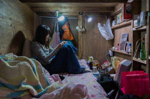 13 знімків про те, як японцям живеться в капсулах