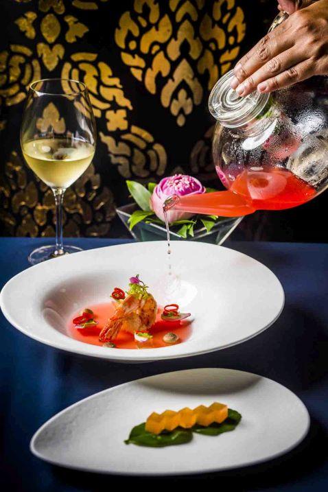 Conrad Koh Samui є чудове дегустаційне меню Journey of Jahn на честь трьох нагород на конкурсі World Luxury Restaurants Award 2016