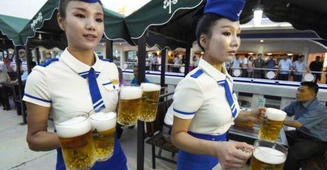 17 цікавих фото з першого пивного фестивалю в Північній Кореї